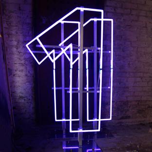 Neon 111 001