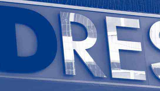 DResearch-Leuchtbuchstaben-blauweb-prog-001