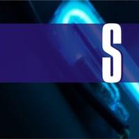 Beispiel Neonbuchstaben Leuchtschrift - Ausschnitt 15 - Detail eines blau leuchtenden Neonteiles