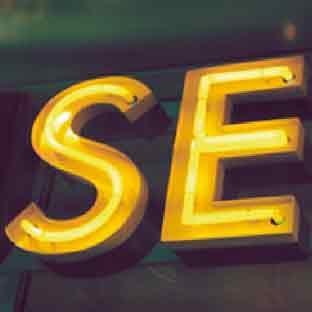 Leuchtbuchstaben-LED-Profilbuchstaben-Neon-Foto SE (gelb leuchtendes Neonrohr)